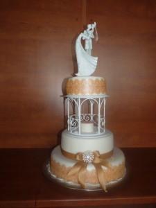 Svadobná torta - zlatá svadba - okrúhle stoly -Reštaurácia Lietadlo, Podlipníky, Hanušovce n/T, Vranov n/T, Prešov